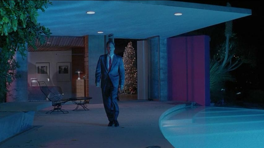Less Than Zero Christmas Party.Less Than Zero Filming Locations Filming 90210locations Info